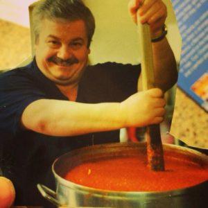 https://olivermarketinggroup.net/crocepasta/wp-content/uploads/2018/07/Croce-Pasta-Joe-stirring-pasta-300x300.jpg