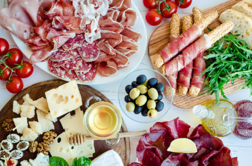 https://olivermarketinggroup.net/crocepasta/wp-content/uploads/2018/07/Imported-Italian-Meats-Cheeses-500x330.jpg